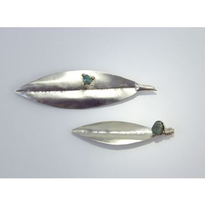 Oleander Leaf with Dana Stone silver brooch