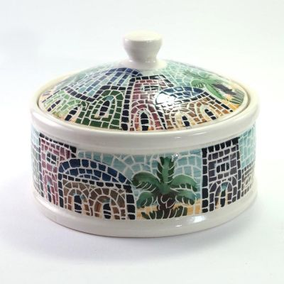 Handmade medium serving bowl with cover