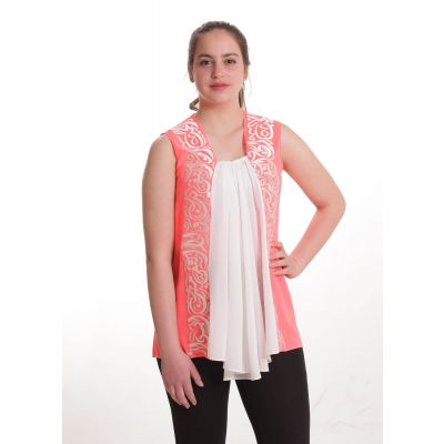 Pink blouse embroidered with Arabic poetry