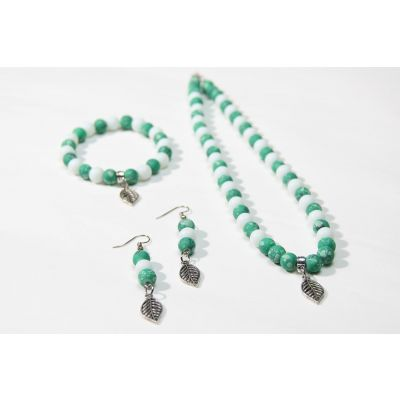 Green Stone Handmade Accessories Set (necklace, bracelet and earrings)